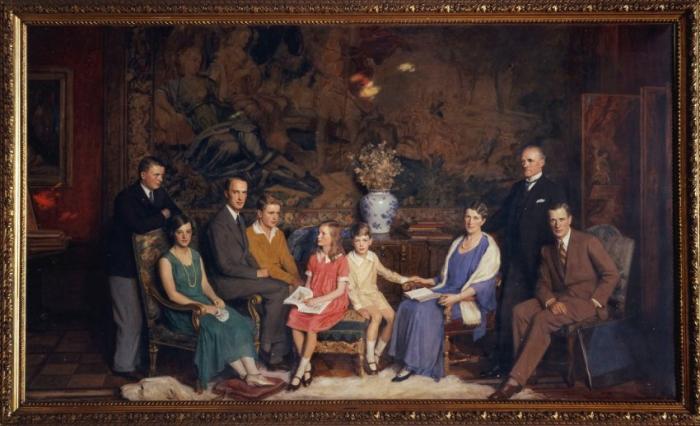 Gustav Krupp von Bohlen und Halbach and Family, Villa Hugel, Essen.