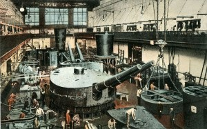 Assembly of ship and coast gun-carriage, Essen, Germany, around 1913 Picture- Alamy